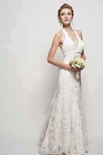 Tel: 2882 4688 Address: Flat A, 2/F, Causeway Bay Mansion, 42-48 Paterson Street, Causeway Bay, HK Website: http://www.peonybridal.com/ | 款式: A-line, halter